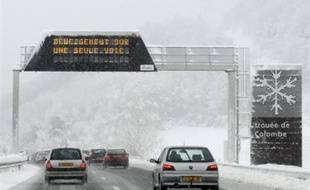 D'importantes chutes de neige sont attendues ce week-end dans les départements alpins.