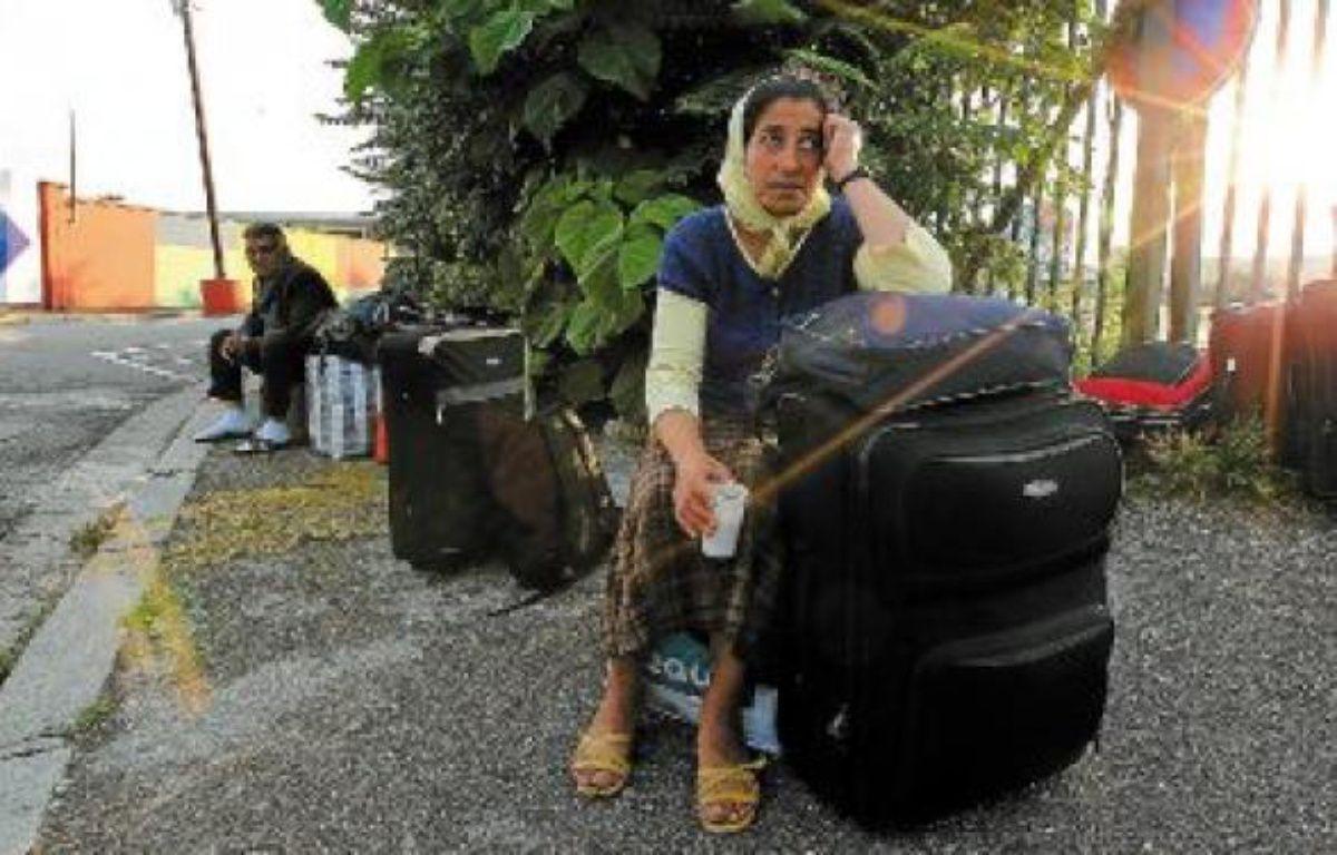 Certains Roms n'étaient pas enchantés de quitter Lyon, jeudi matin à Perrache. –  C. Villemain / 20 Minutes