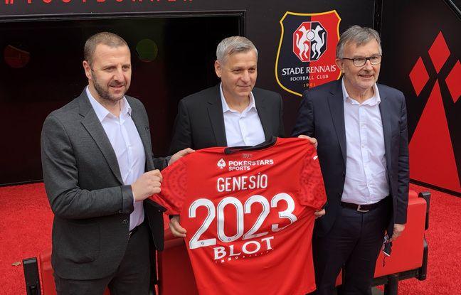 Bruno Génésio entouré de Florian Maurice, directeur sportif du Stade Rennais, et Jacques Delanoë, président non éxécutif du club.