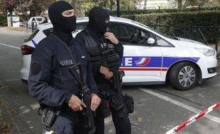 Les policiers ont mis en place un important dispositif pour appréhender le suspect (illustration).