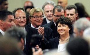 """La première secrétaire du PS, Martine Aubry, assure samedi dans une interview au Monde.fr que pour les socialistes """"le chômage s'attaque par tous les bouts"""", en ajoutant que """"l'objectif central"""" du gouvernement de Jean-marc Ayrault était """"l'emploi matin, midi et soir""""."""