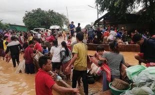 De nombreux villages ont été submergés après la catastrophe, ce qui fait craindre un très lourd bilan.