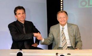 En signant mercredi un contrat de quatre ans d'entraîneur général aux fonctions élargies, nouveau à l'Olympique lyonnais, Claude Puel relève le défi de perpétuer la réussite du club rhodanien qui perdure depuis 2002 avec sept titres de champion de France de football.