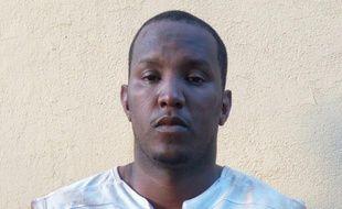 """Une image obtenue par l'AFP le 21 avril 2016 de Fawaz Ould Ahmeida, auteur présumé et """"planificateur"""" de plusieurs attentats au Mali, arrêté à Bamako"""