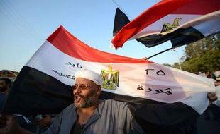 La Haute cour constitutionnelle égyptienne a rejeté lundi la décision du président Mohamed Morsi de rétablir le Parlement, augurant d'une épreuve de force entre la présidence et la justice ainsi que l'armée, qui a appelé au respect de la loi.