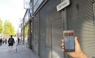 L'application permet de noter et de laisser un commentaire sur chaque toilette publique de la ville.