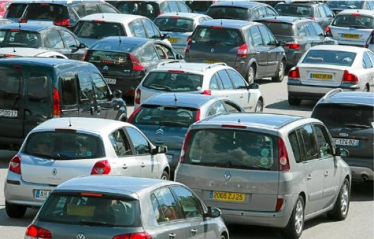 La pollution, liée notamment à la circulation, préoccupe 31,5% des sondés. –  c. villemain / 20 minutes