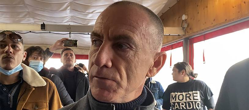 Christophe Wilson, dans son restaurant le Poppies à Nice, ouvert illégalement le 27 janvier