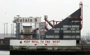 Les pêcheurs bloquent l'entrée du port de Calais (illustration).