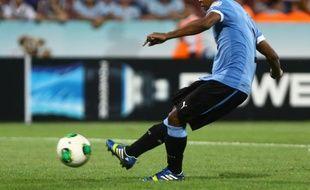 L'attaquant uruguayen des Girondins de Bordeaux, Diego Rolan, le 10 juillet 2013 contre l'Irak.