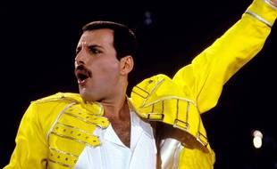 Le chanteur Freddie Mercury lors du concert au stade de Wembley en 1986