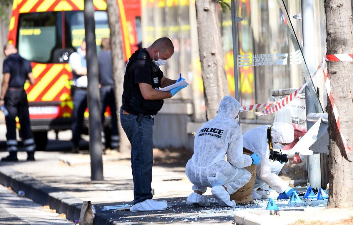 La police scientifique fait des relevés à La Valentine, où le chauffard a tué une piétonne. – B. Horvat / AFP