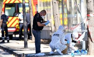 La police scientifique fait des relevés à La Valentine, où le chauffard a tué une piétonne.