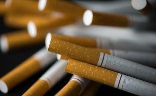 Les ventes de cigarettes en France ont augmenté de 1% en volume en 2015, une première depuis 2009
