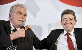 Les dix députés du Front de gauche vont constituer un groupe avec des élus d'outremer, a annoncé mardi à la presse le député communiste du Puy-de-Dôme André Chassaigne, qui devrait le présider.