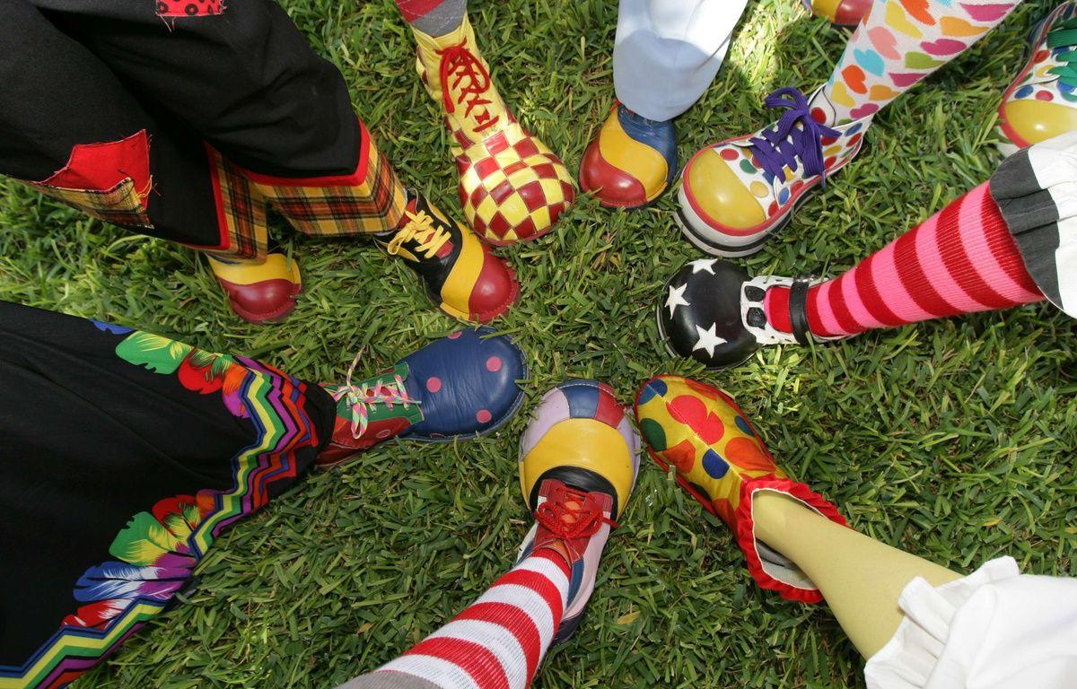 Nombreux pieds de clowns – Paul M. Walsh/AP/SIPA