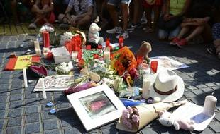 Hommage aux victimes des attentats de Catalogne