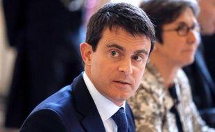 """L'afflux de jihadistes français vers la Syrie, dont une douzaine de mineurs partis ou en transit, inquiète sérieusement l'Intérieur, qui voit dans ce phénomène """"jamais égalé"""", """"le plus grand danger auquel nous devons faire face dans les prochaines années""""."""