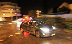 Illustration d'un véhicule de police banalisé, ici dans les rues de Rennes.