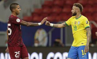"""L'histoire ne dit pas si Neymar avait prévu un bandeau """"200% Jesus"""" en cas de deuxième titre."""