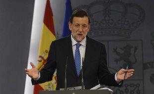 Le Premier ministre espagnol Mariano Rajoy a présenté un plan en trois étapes pour que la zone euro se dote à terme d'euro-obligations, indiquant que le processus pourrait être lancé dès 2013, dans une interview publiée dimanche par un journal allemand.