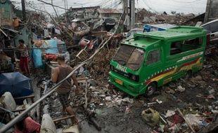 Le typhon Haiyan qui a ravagé les Philippines il y a plus d'une semaine a détruit les maisons mais aussi les moyens de subsistance, laissant présager d'un avenir difficile pour de nombreux commerçants et petits patrons sinistrés.