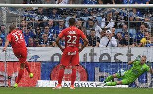 Un penalty tiré à mi-hauteur, proche du centre : difficile de faire pire que Petar Skuletic face à Strasbourg.