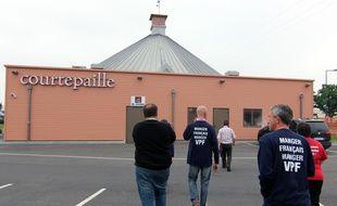 Des éleveurs de la FNSEA se sont rendus le 7 juin 2016 dans un restaurant Courtepaille de Rennes pour contrôler l'origine des viandes.