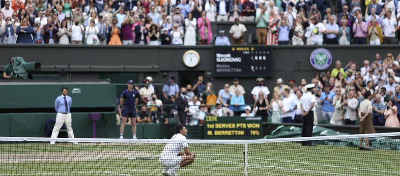 Le court central de Wimbledon lors de la finale masculine.