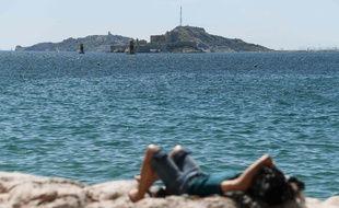 L'épisode caniculaire à Marseille doit durer jusqu'à dimanche.