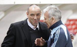 L'entraîneur du PSG, Paul Le Guen (à dr.) et celui de Marseille, Erik Gerets, lors d'un PSG - Marseille, le 15 mars 2009.