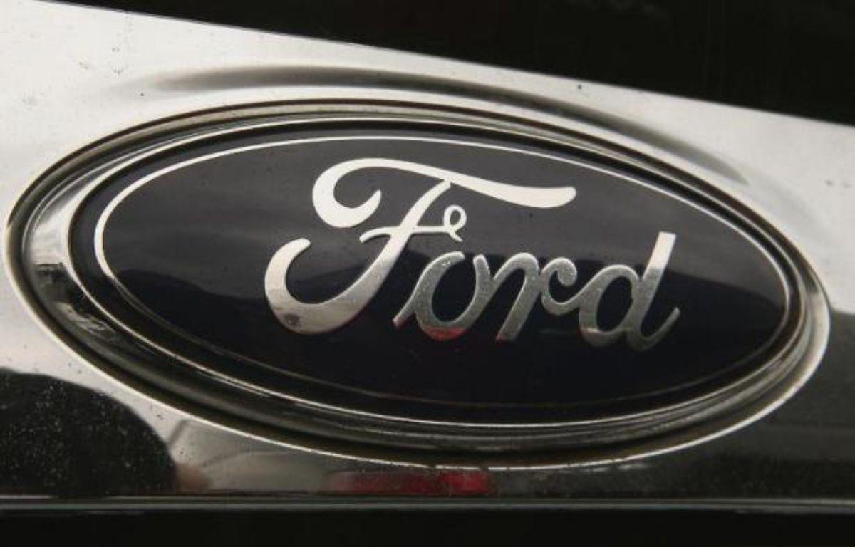 Le constructeur automobile américain Ford a annoncé jeudi qu'il allait présenter un prototype de voiture électrique dont la batterie se recharge avec un panneau solaire installé sur son toit. – Scott Olson Getty Images