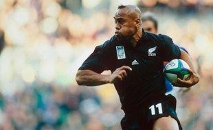 Jonah Lomu a porté le maillot des All Blacks à 63 reprises.