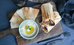 Houmous et sandwiches libanais succulents servis chez Libshop
