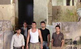 Les membres du boys band irakien, UTN1, lors du tournage de leur clip à Beyrouth, au Liban, en juin 2006.