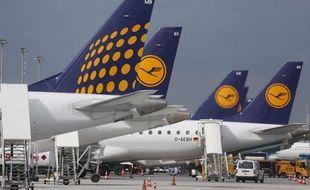 Illustration d'avions de la compagnie Lufthansa.