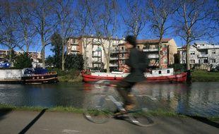 Le long du Canal du Midi, à Toulouse.