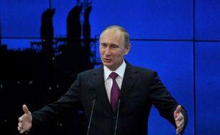 Au moins 600 hommes armés partis de Russie et d'Europe se battent actuellement en Syrie contre le régime de Bachar al-Assad, a déclaré vendredi le président russe Vladimir Poutine, mettant en garde l'Occident contre la livraison d'armes à l'opposition syrienne.