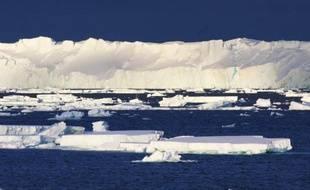 Photo non datée du glacier Totten, le plus grand de l'Antarctique oriental, publiée le 26 janvier 2015 par l'Organisation pour la recherche scientifique et industrielle du Commonwealth