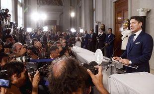 Le nouveau gouvernement italien porté par une majorité réunissant les sociaux-démocrates et les Cinq Etoiles (M5S) a été formé et présenté au président Sergio Mattarella, ce mercredi.