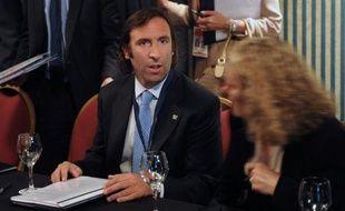 """Le gouvernement argentin est en mesure d'honorer ses engagements face aux 93% des créanciers qui ont participé à l'échange de dette en 2005 et 2010, a assuré dimanche le ministre de l'Economie Hernan Lorenzino, écartant tout risque de """"défaut de paiement""""."""