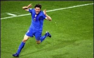 L'Italie a réussi une entrée convaincante dans le Mondial-2006 de football (groupe E) en battant (2-0) une équipe du Ghana pleine d'entrain mais trop souvent brouillonne, lundi à Hanovre.
