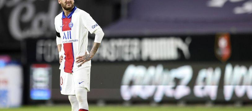 La star brésilienne du PSG Neymar a prolongé jusqu'en 2025.