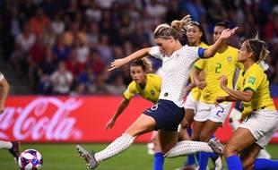 Face au Brésil, les Bleues ont (encore) marqué sur coup de pied arrêté.