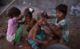 La vague de chaleur qui sévit depuis une semaine en Inde a déjà tué plus de 1.100 personnes, ont annoncé ce mercredi 27 mai, les autorités.