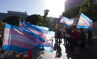 Une manifestation de personnes transgenres à Los Angeles, en mars 2017.