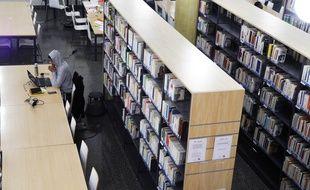 Lundi soir, une cinquantaine d'étudiants travaillait encore à la bibliothèque universitaire de Nice à 23 heures.