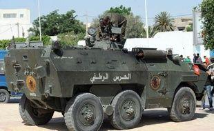 Des affrontements ont éclaté dimanche entre policiers et salafistes dans la banlieue ouest de Tunis ainsi qu'à Kairouan, après que les autorités ont refusé la tenue du congrès du mouvement salafiste jihadiste Ansar Ashriaa dans cette ville.