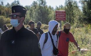 Dans un camp de migrants et migrantes près de Calais. (archives)