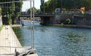 L'accès est bloqué au quai de Valmy situé dans le 10e arrondissement de Paris. Le 10/7/2018.